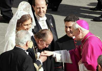 juan-carlos-pope.jpg