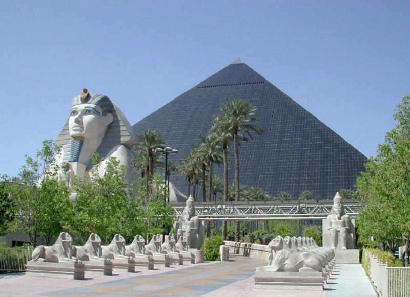 luxor-pyramid-las-vegas.jpg
